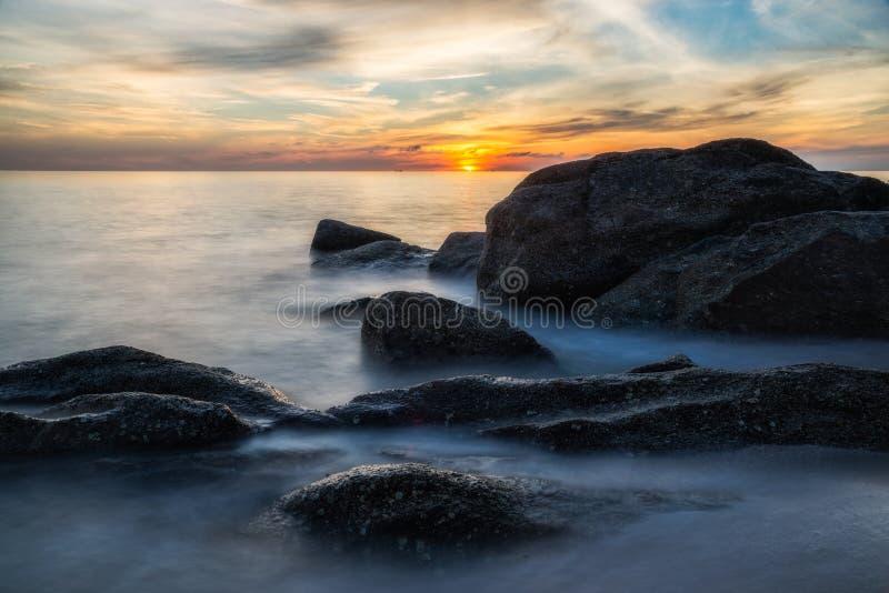 Mar e sol fotografia de stock royalty free