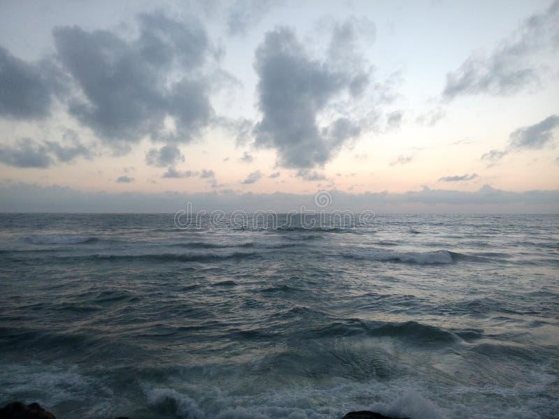 Mar en gris fotografía de archivo libre de regalías