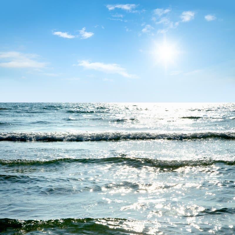 Download Mar hermoso foto de archivo. Imagen de outdoor, romántico - 42431394