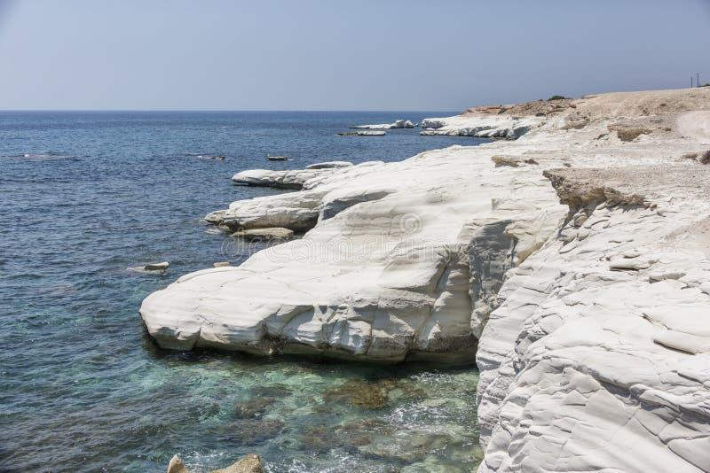 Mar Mediterráneo El blanco oscila cerca de la playa del ` s del gobernador fotografía de archivo