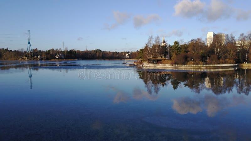 Mar tranquilo al lado de Espoo foto de archivo