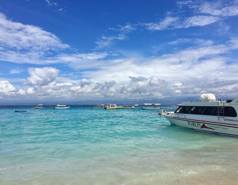 Mar verde de Blue& fotos de stock