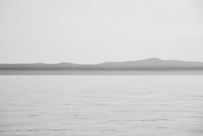 Mar y cielo con horizonte de la pista fotografía de archivo libre de regalías