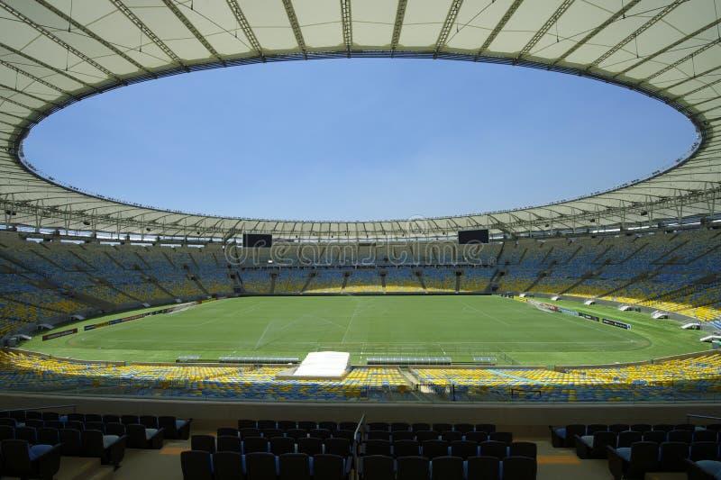 Maracana stadionu futbolowego smoła i miejsca siedzące zdjęcia stock