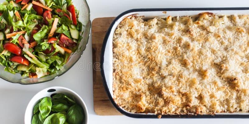 Maraconi и сыр стоковая фотография
