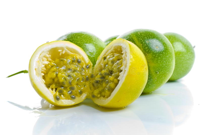 Maracuja - fruta de paixão foto de stock