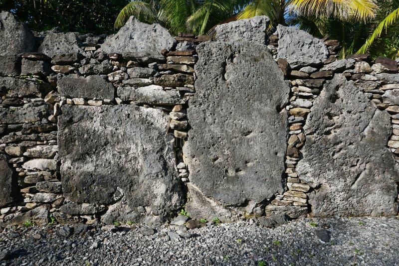 Marae de pedra antigos franceses da estrutura de Polinésia fotografia de stock royalty free