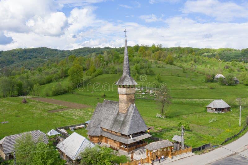 Maramures, Румыния Деревянная церковь монастыря Barsana, ориентира Трансильвании стоковые изображения rf