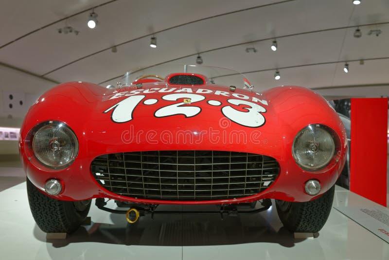 Maranello, Italia: Coche de deportes del vintage de Ferrari foto de archivo libre de regalías