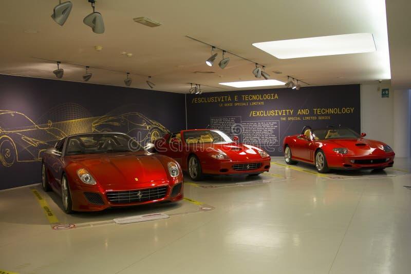 MARANELLO, ITALIA - marzo de 2017 Exposición del museo de Ferrari imagen de archivo