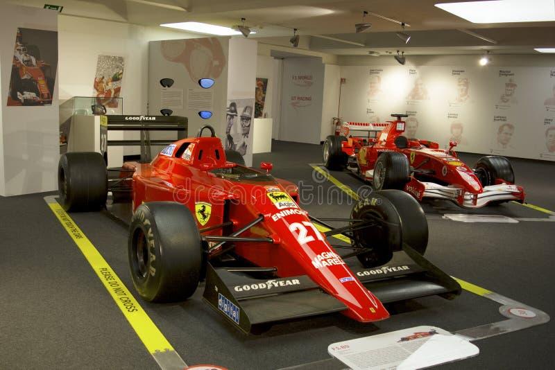 MARANELLO, ITALIA - marzo de 2017 Exposición del museo de Ferrari imagenes de archivo