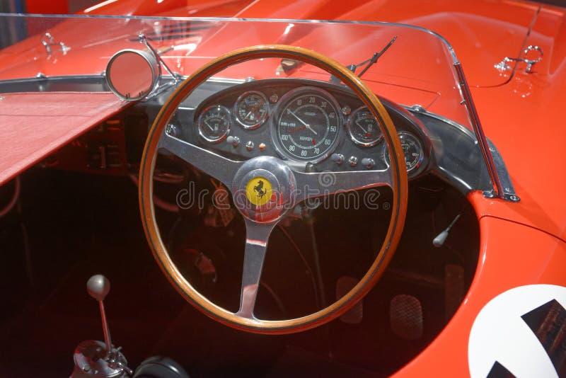 Maranello, Italy: rocznika Ferrari deska rozdzielcza zdjęcie stock
