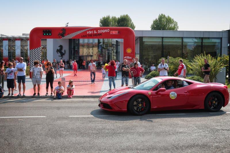 MARANELLO MODENA, ITALIEN, September 2017 - årsdag för Ferrari ` s sjunde, sportbilshow royaltyfria foton