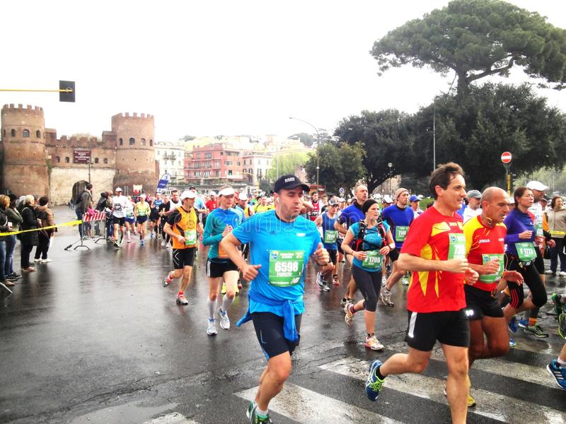 Download Mararathon Van Rome, 23 Th Maart 2014, Italië Redactionele Fotografie - Afbeelding bestaande uit maart, marathon: 39112592