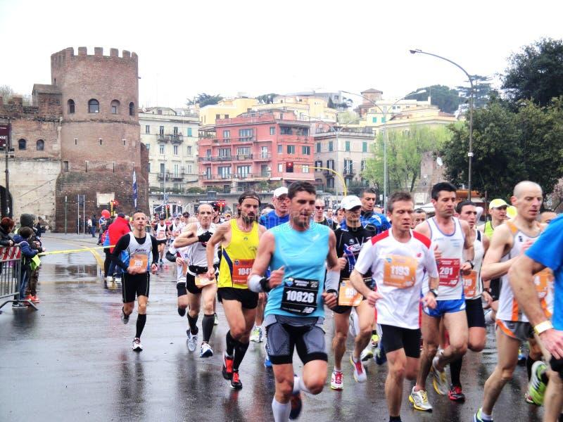 Download Mararathon Van Rome, 23 Th Maart 2014, Italië Redactionele Afbeelding - Afbeelding bestaande uit agenten, maart: 39112900