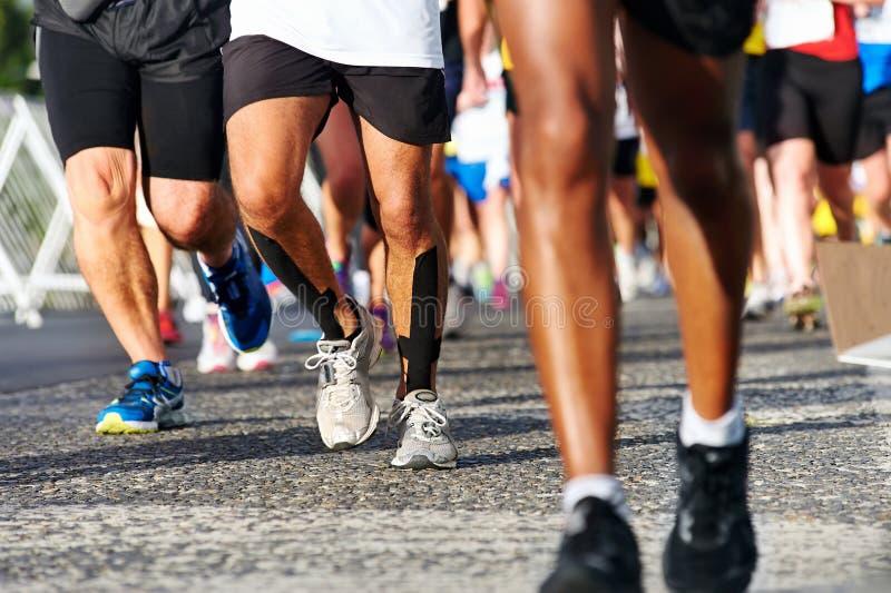 Maratón corriente de la gente fotografía de archivo