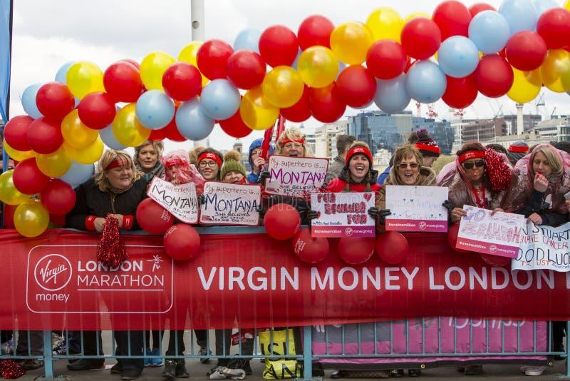 Maratón de Londres del dinero de la Virgen 24 de abril de 2016 fotografía de archivo