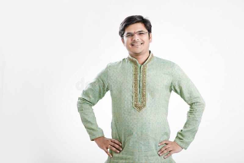 Marathi nieuw jaar van Gudipadwa, het jonge Indische het vieren festival van gudipadwa royalty-vrije stock fotografie