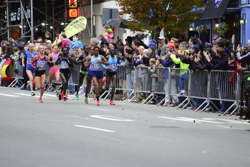 Marathon de 2017 NYC - femmes d'élite photographie stock