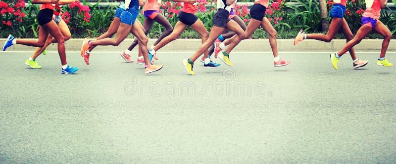 Marathonatleten het lopen royalty-vrije stock afbeelding