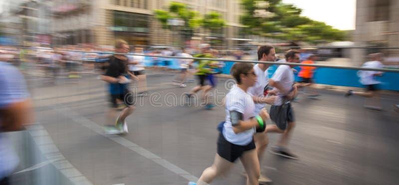Maraton i rörelsehastighetssuddighet royaltyfria bilder