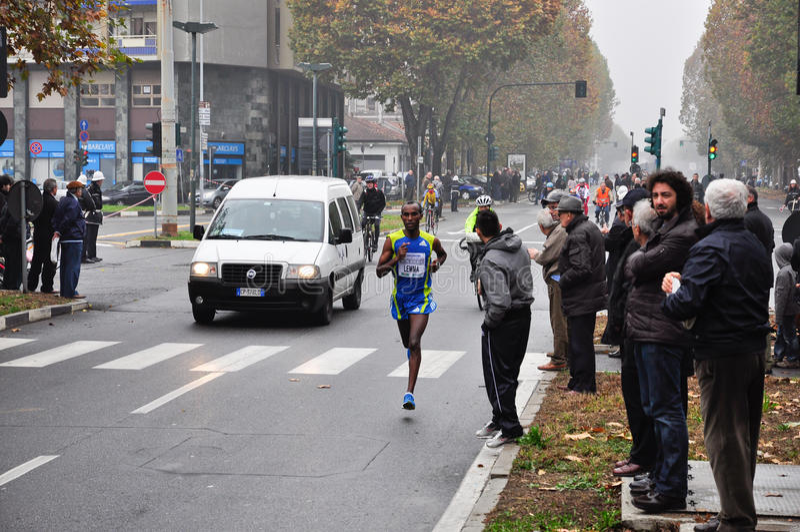 Maratona 2010 de Turin, Lemma Habteselassie, Etiópia imagem de stock royalty free