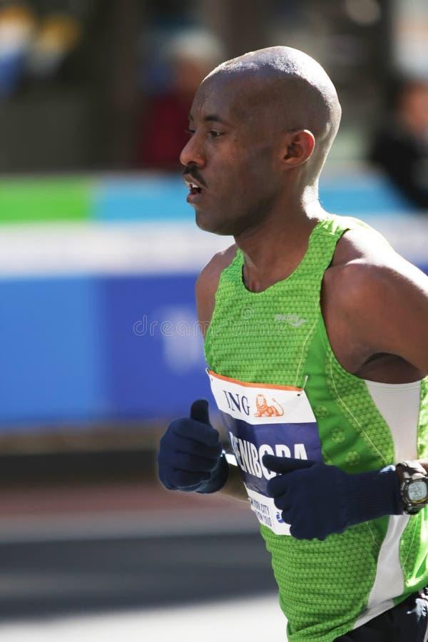 Download Maratona De ING New York City, Corredor Imagem Editorial - Imagem de ativo, energia: 16872700