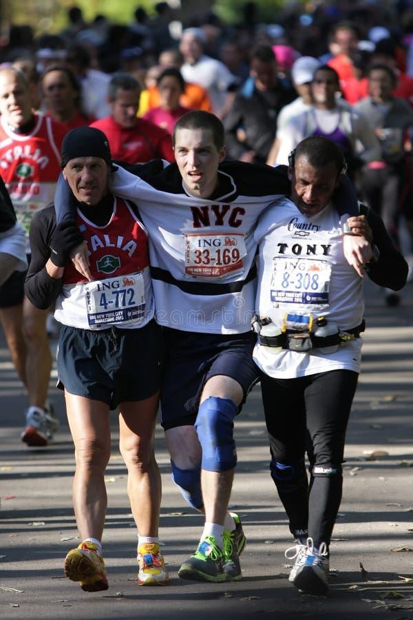 Download Maratona De ING New York City, Terminação Dos Corredores, Imagem Editorial - Imagem de resistência, desafio: 16872675