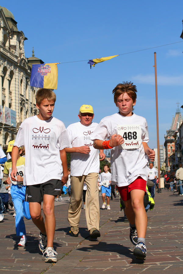 Maratona di pace di Kosice - esecuzione corporativa immagini stock libere da diritti