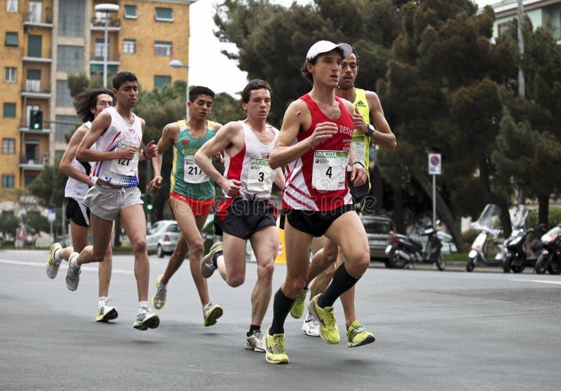 Maratona Vivicitta 2010 - passo do grupo imagens de stock