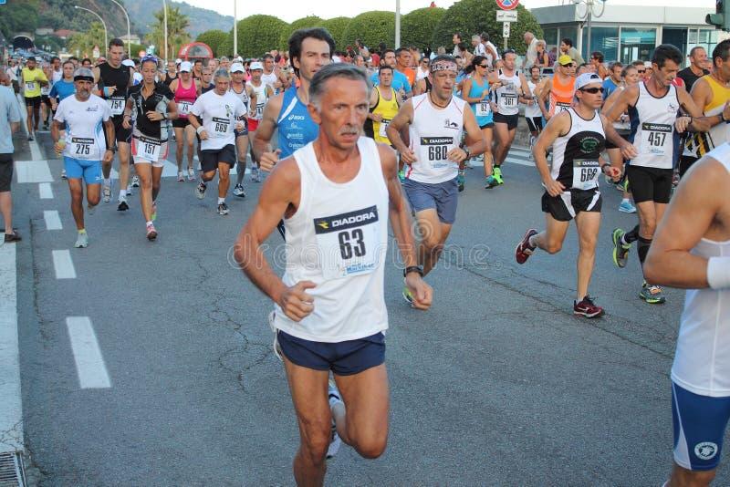 Maratonspringlopp fotografering för bildbyråer