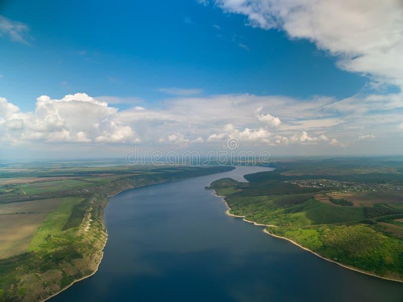 Maravilhas de Ucrânia, tiro aéreo da alta altitude do rio Dniester imagem de stock