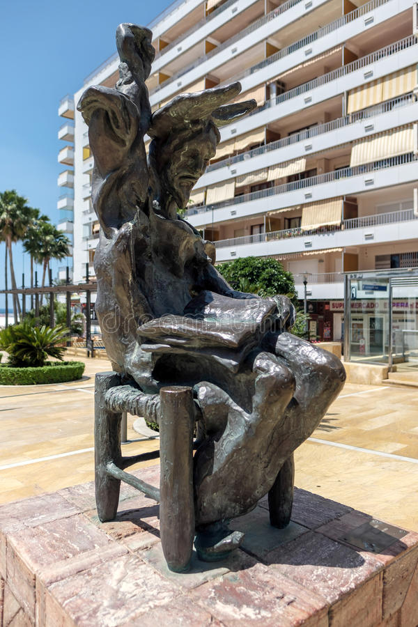 MARBELLA, ANDALUCIA/SPAIN - MAJ 23: Don donkiszota puszka Siedzący St obrazy royalty free