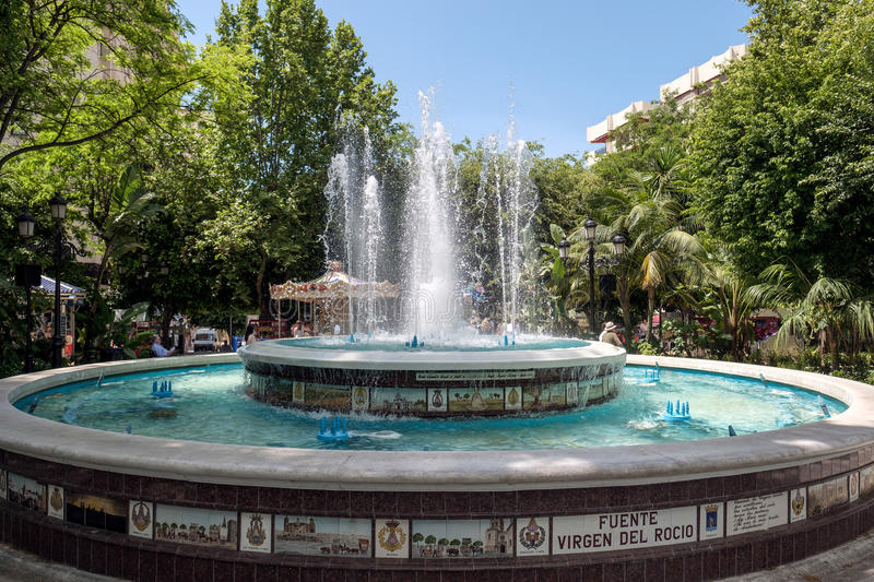 MARBELLA, ANDALUCIA/SPAIN - MAY 23 : Fountain Virgen Del Rocio i. N the Alameda Park Marbella Spain on May 23, 2016. Unidentified people royalty free stock photos