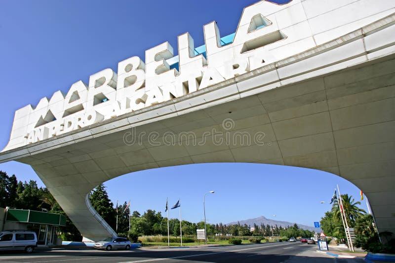 Marbella Boog in San Pedro in Spanje stock fotografie