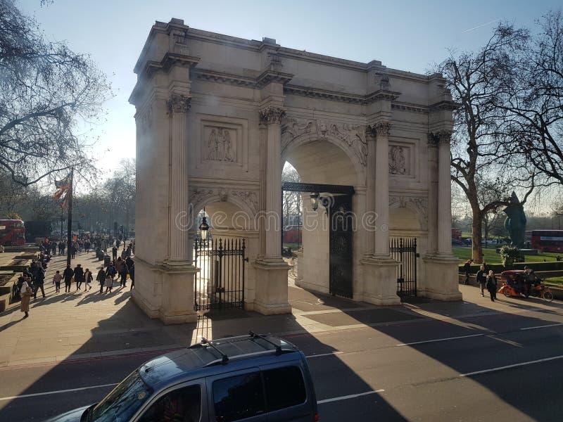 Marble Arch London Sun Light przez łuki w tym zimowym dniu zdjęcie stock