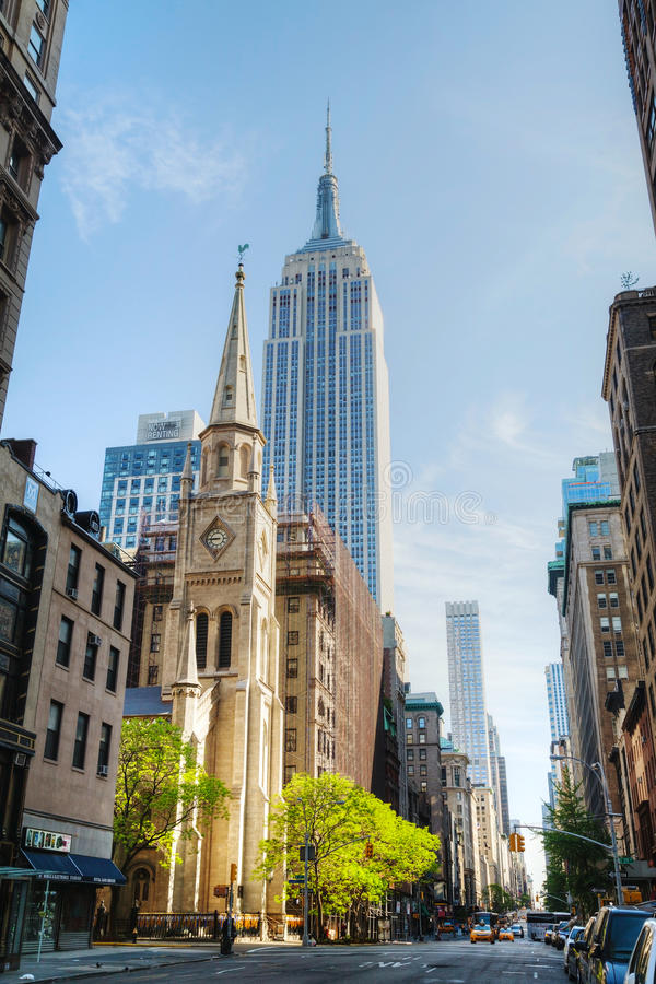 Download The Marble Collegiate Church And Empire State Building In Manhat Editorial Stock Image - Image: 32555754