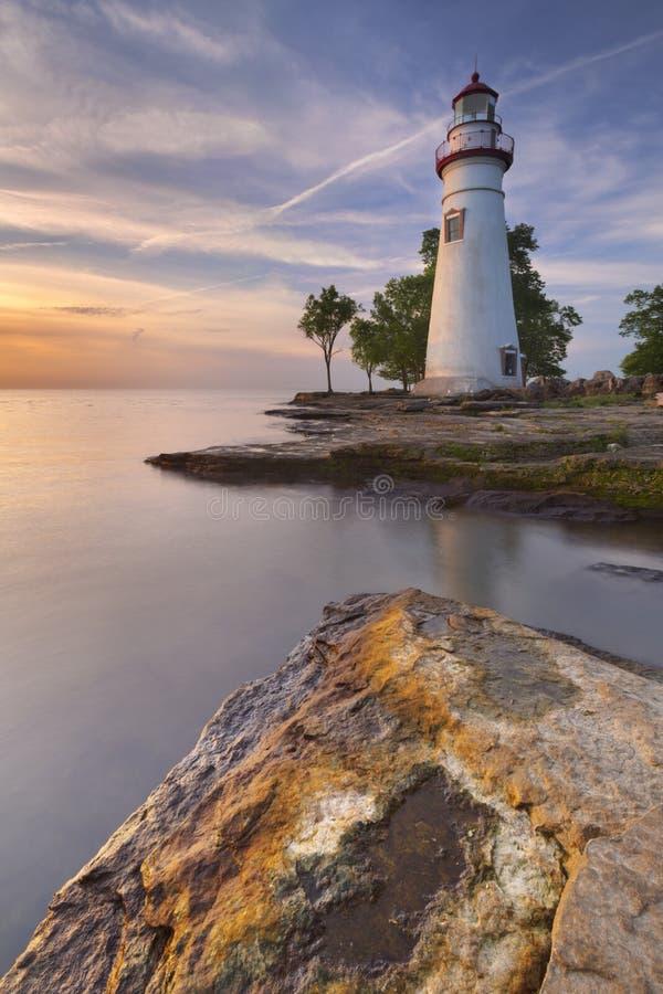 Marblehead fyr på Lake Erie, USA på soluppgång fotografering för bildbyråer
