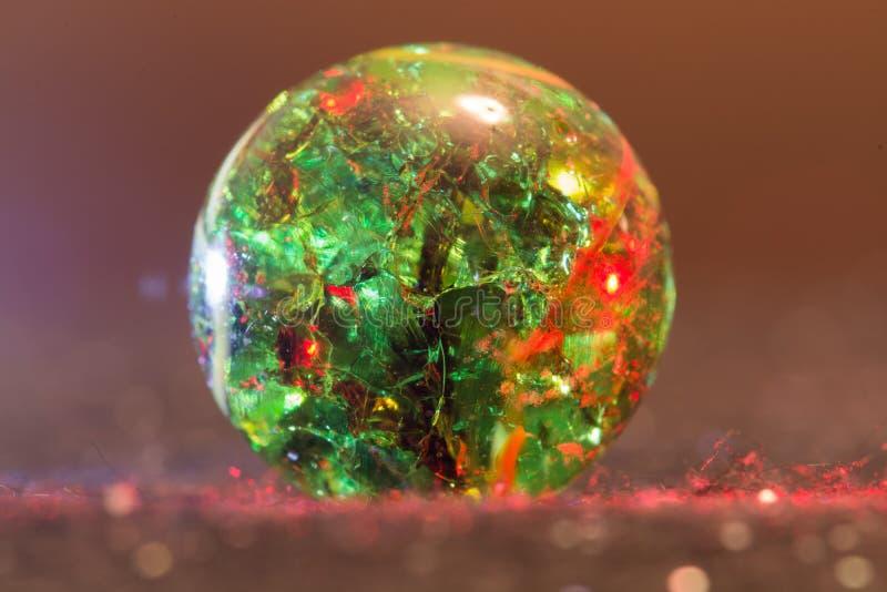 Marbre 24 en verre rouge et vert images libres de droits