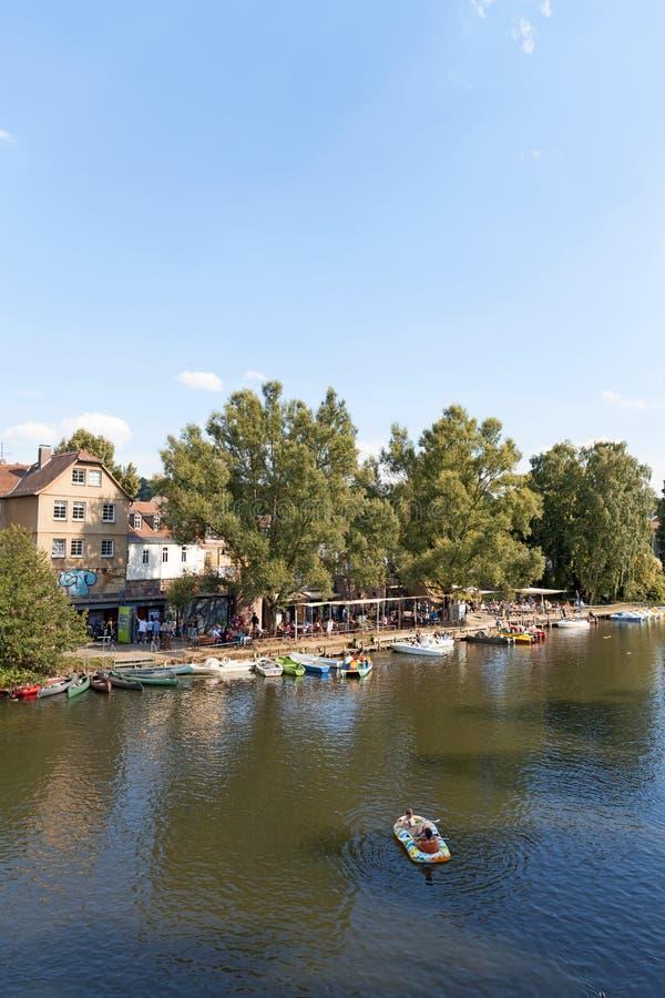 Marburg Lahn flod på det Weidenhausen området royaltyfri bild