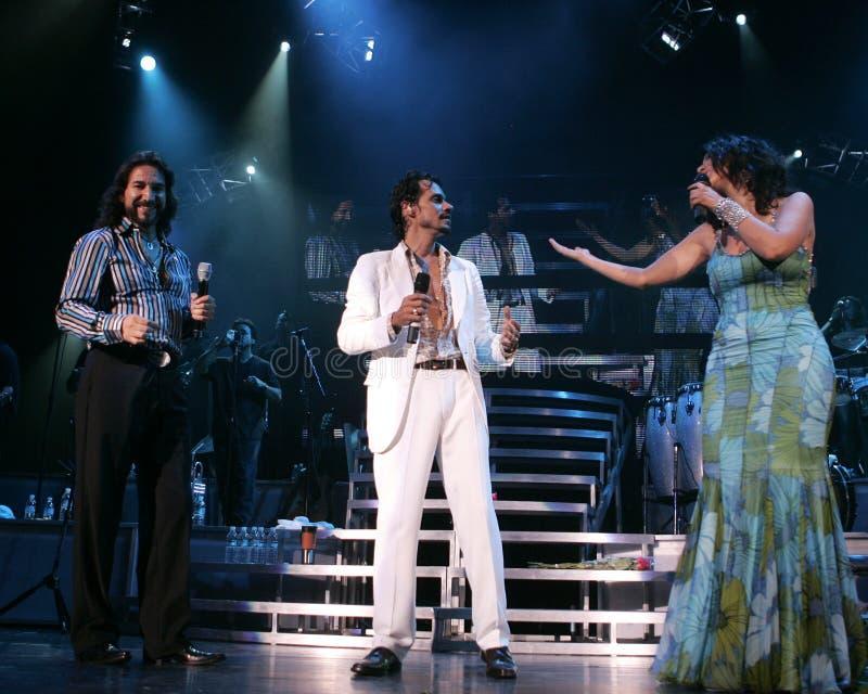 Marc Anthony führt im Konzert durch lizenzfreie stockfotografie