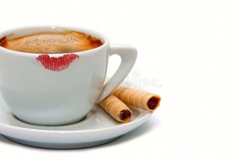 Marca del lápiz labial en una taza de café imagen de archivo libre de regalías