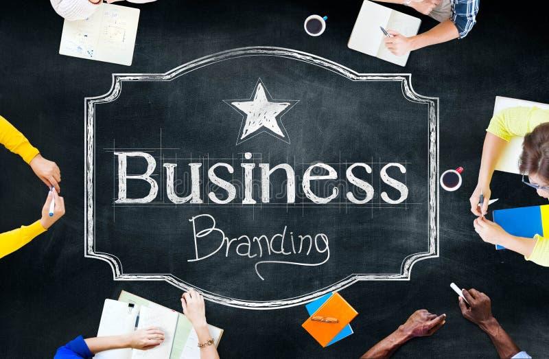 Marca registrada de marcado en caliente del negocio que comercializa concepto comercial libre illustration