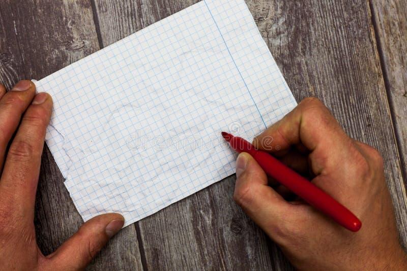 Marcador abstracto moderno Pen Writing de la tenencia de la mano de Huanalysis del fondo del espacio vacío de la copia del concep imagen de archivo