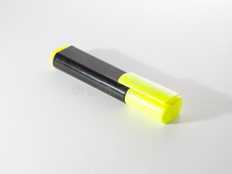 Marcador amarillo para destacar el texto imagen de archivo libre de regalías