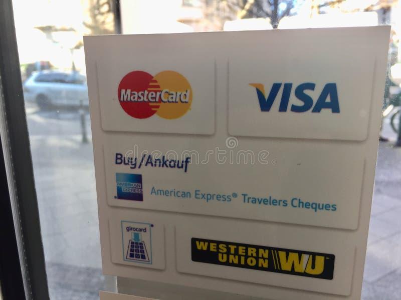 Marcas de sistemas de pago foto de archivo libre de regalías