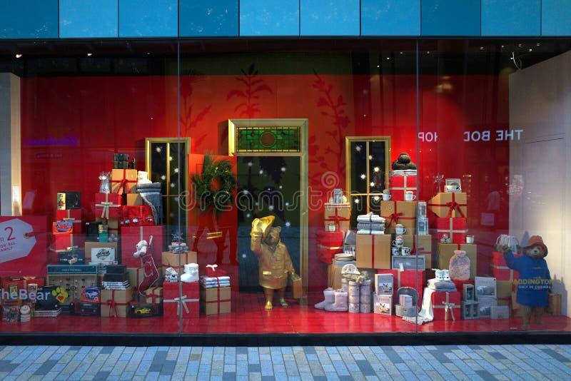 Marcas y Spencer Christmas Window Display fotos de archivo