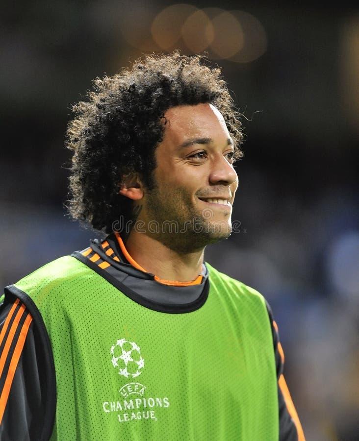 Marcelo Vieira Real Madrid усмехаясь перед матчем лиги чемпионов стоковое изображение rf