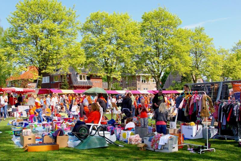 Marché aux puces Kingsday d'occasion, Pays-Bas photo stock