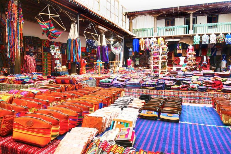Marché coloré Marchandises génériques l'Antigua Guatemala L'Antigua est un site de patrimoine mondial de l'UNESCO image libre de droits